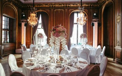 Stuhlhussen als gelungene Hochzeitsdekoration – Ein unverzichtbarer Dresscode für Ihre Location