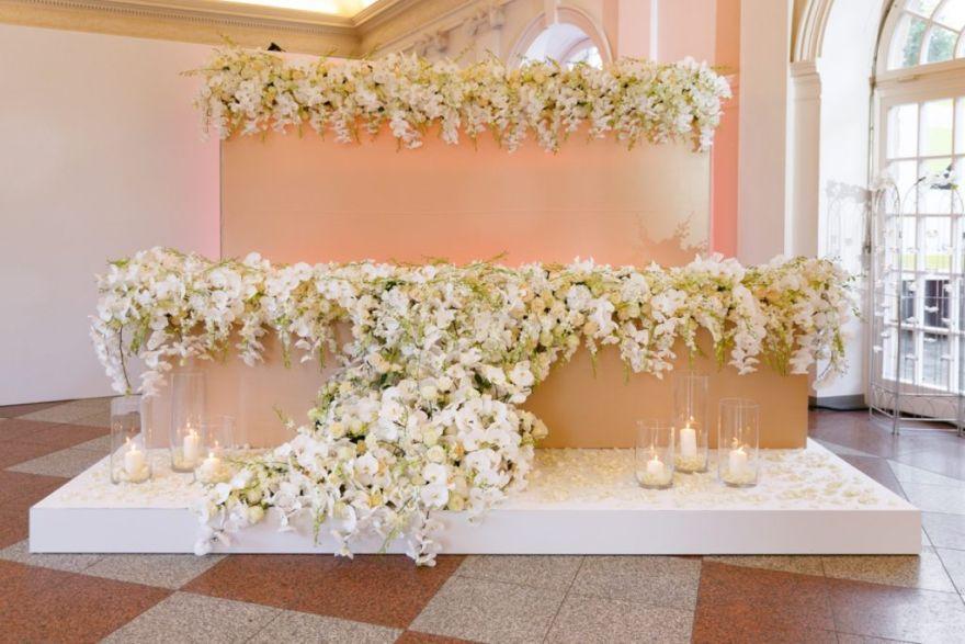 Flower Wall Hintergrund Brauttisch Floristik Hochzeitsdeko Blumen Blumenwand